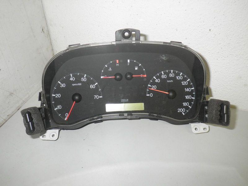 Tacho Instrumententafel Kombiinstrument Tachometer FIAT PUNTO (188) 1.2 16V 80
