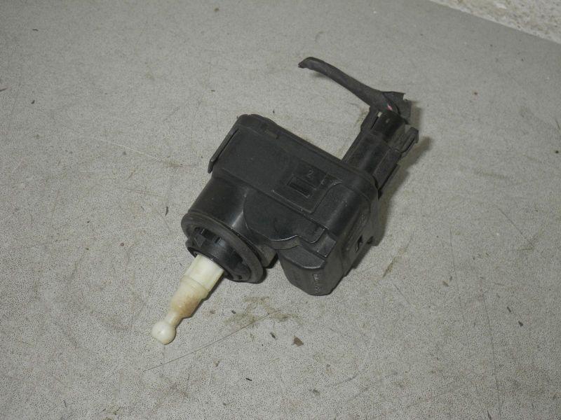 Stellmotor für Leuchtweitenregulierung rechts oder linksVOLVO V40 KOMBI (VW) 2