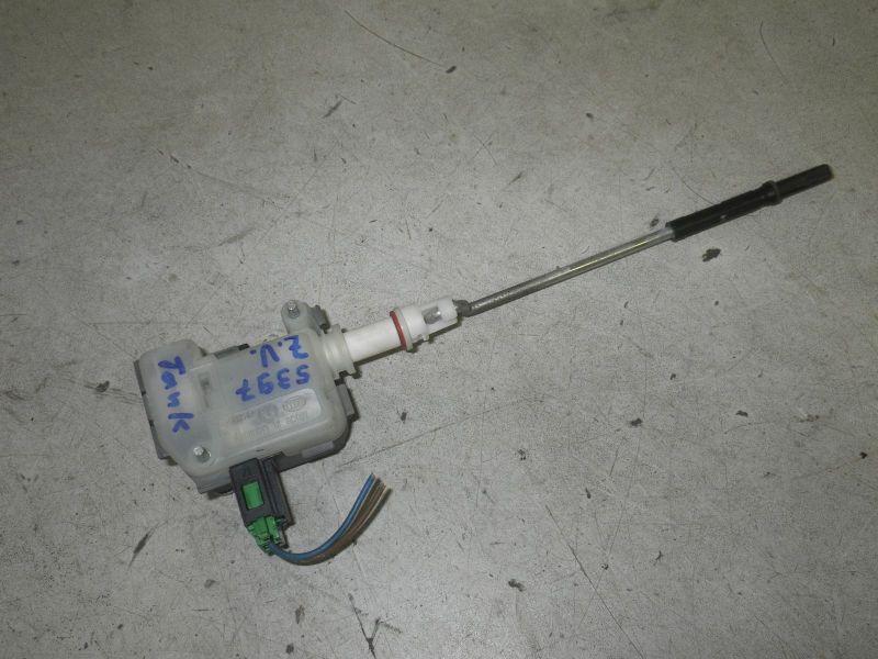 Stellmotor für Zentralverriegelung TankklappeVOLKSWAGEN GOLF IV (1J1) 1.6