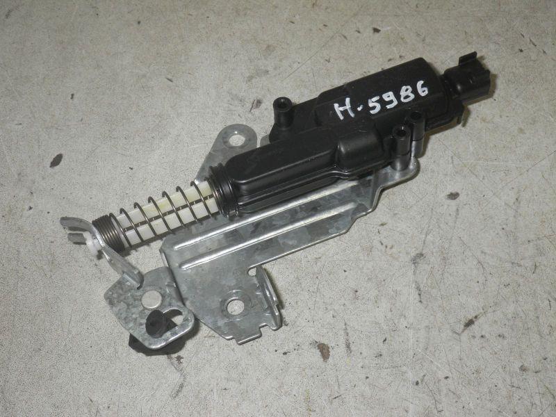 Stellmotor für Zentralverriegelung HeckklappeFORD FIESTA V (JH_, JD_) 1.3